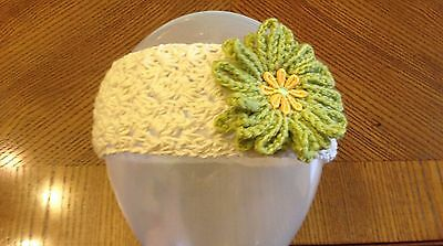 baby girl head band handmade crochet OFF WHITE/ GREEN flower part/fun age 3-6 m