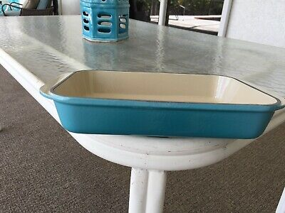 Le Creuset Caribbean Cast Iron Roasting Pan 8 inch by 11.25 inch New