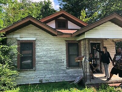 FIX & FLIP OPPORTUNITY 4017 Brockman Ave, Fort Smith Arkansas BUY A HOUSE NOW!
