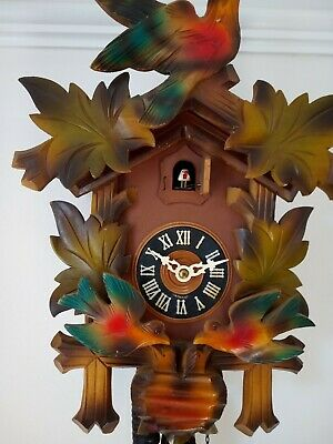 Vintage German Cuckoo Clock With Feeding Birds. Requires some attention.