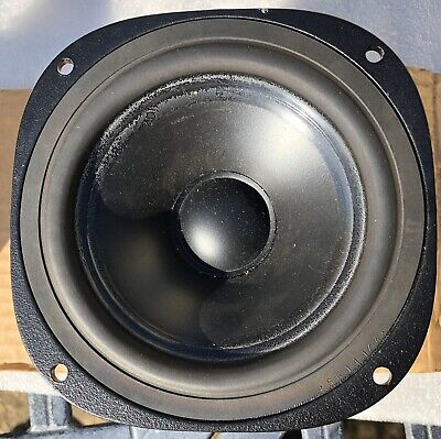 Seas EP14 RC H800 Bass/ mid driver 8 Ohm. New old stock single speaker