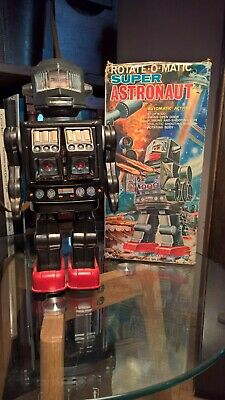 ROTATE-O-MATIC SUPER ASTRONAUT HORIKAWA ROBOT - japan space tin toy