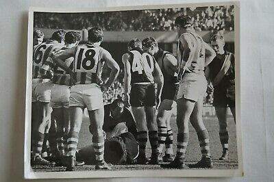 Richmond Tigers AFL VFL Vintage In Game B&W 10x8 Finals Photograph w/Hart,Barrot
