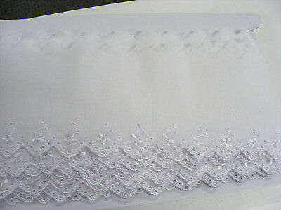 Broderie Anglaise Flat Lace White x 5   (630011)