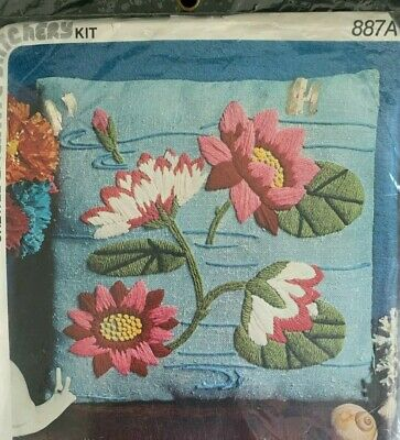 Vintage Sealed Creative Stitchery Crewel Embroidery Pillow Kit Water Lilies Blue