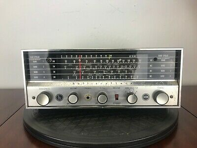Halicrafters S-120 Vintage Four-Band Radio Short Wave