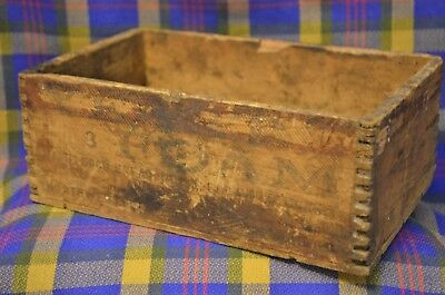 Vintage YEAST FOAM for ROOT BEER & Other Beverages Finger Tail Corners Wood Box