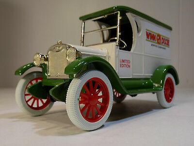 1923 Chevrolet Panel Truck Winn Dixie Supermarkets # 14 Ertl #9144 NOS MIB