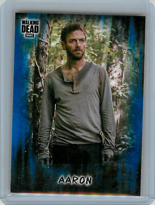 2018 Topps Walking Dead Hunters and the Hunted BLUE #16 Aaron #39/50