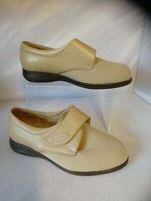 Ladies Cosyfeet size 8 extra roomy Karen Beige new