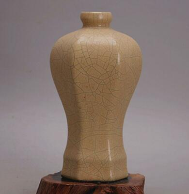 chinese old handmade Yellow glaze porcelain bottle 07320