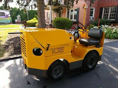 TUG MG 30-71 Aircraft Tow Ground Support Towing Tractor CARGO Baggage  MG-30 71