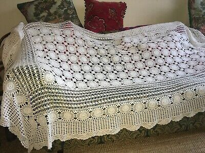Beautiful vintage hand made crochet throw bedspread white cotton Single Bed