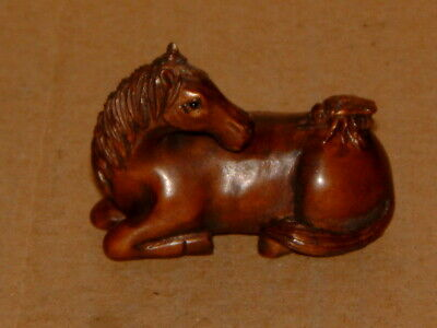 Superb Vintage Hand Carved Japanese Boxwood Netsuke - Reclining Horse With Fly