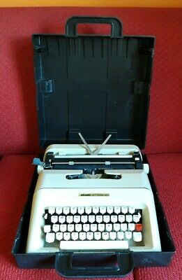 Vintage Typewriter Olivetti Lettera 35 In Full Working Order