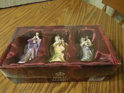 2004 Royal Albert Old Country Roses set of 3 musical hand painted ornaments