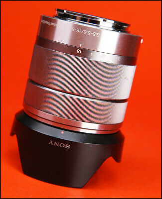 Sony SEL 18-55mm F3.5-5.6 OSS Lens : E Mount NEX Series  With Front Cap & Hood
