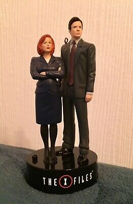 X-Files Lot Ornament And T-shirt