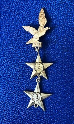 EAGLE COMIC 1950s MEMBERSHIP CLUB BADGE WITH VERY RARE 2ND & 3RD YEAR PINS