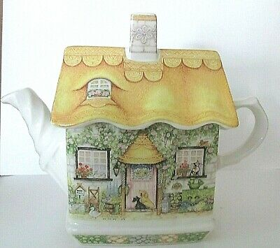 """Sadler """"Rose Cottage"""" Teapot English Country Dogs Cats Made in England Vintage"""