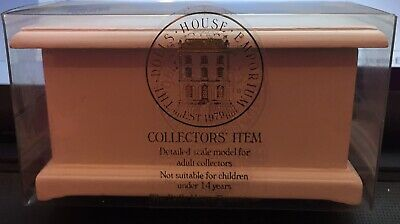 BRAND NEW IN BOX Dolls House Emporium White Linen Chest / Toy Box Code 2406