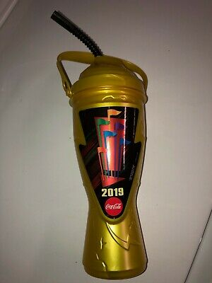 ONE (1) 2019 Six Flags Gold Season Free Refillable Drink bottle