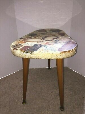 Vtg MID CENTURY MODERN Side TABLE Lucite/Resin Sliced AGATE Rocks