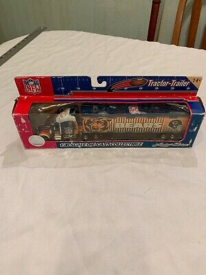 Chicago Bears  Fleer Collectibles NFL Football Tractor Trailer  K2