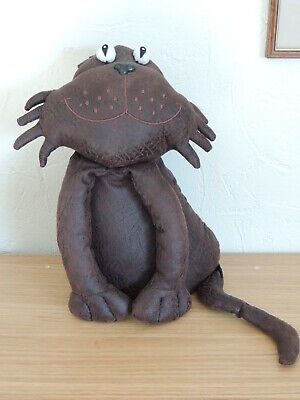 Cat Doorstop from Richard Lang in Soft Faux Leather 3/4 kg.