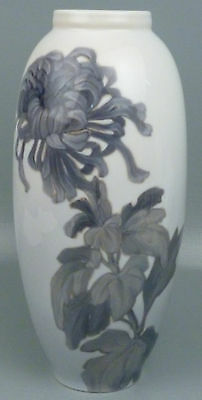 Very large Antique Royal Copenhagen Porcelain Vase - Chrysanthemum Flower PC