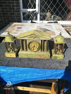 Antique Green Onyx clock With Columns 1869
