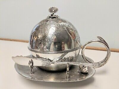 Antique Meriden B Company Silver Plate Lily Pad Butter Dish & Knife
