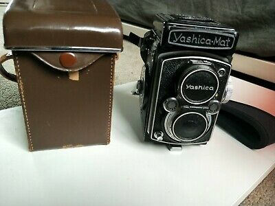 Yashica-Mat MT Twin Lens reflex TLR Camera with Case and strap