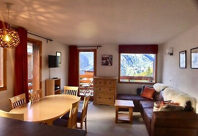March 2020 Ski Holiday in Meribel Les Allues, 2 Bed Apartment Wi-Fi & garage.