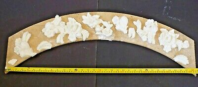 Plaster Embellishments Ornamental Floral Figurines Ceiling Rose Victorian Decor