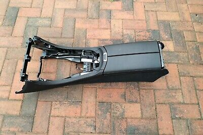 Mercedes W213 Estate 16 - on going Arm rest black leather