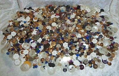Mixed Lot Vintage Sewing Buttons Plastic Metal Faux Rhinestone Craft near 12 LBS