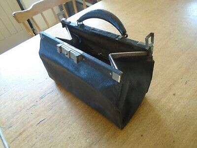 Vintage Small Leather Doctors / Gladstone Bag