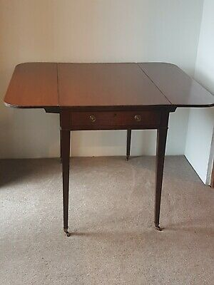 Pembroke Table  Mahogany, Antique C1850 Antique Dining table. Occasional table