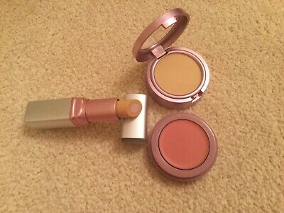 Mally ultimate performance inner glow blush medium & medium concealer