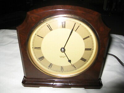 Superb Smiths Art Deco Bakelite mantle clock 1940s period , fully working and ma
