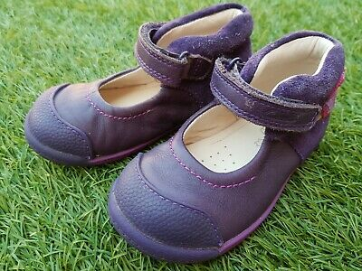 Girls Beautiful Shoes from CLARKS. Size UK 6F. Used very good Condition