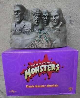 Univ Monsters Mount Rushmore Dracula Frankenstein Wolfman Mummy Sideshow 1999 MB
