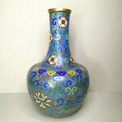 Antique Chinese cloisonne vase, 19th century.