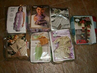 """Assorted  """"ANNIE'S HOOK & NEEDLE KIT""""  for Crochet with Yarn & Instructions  NEW"""