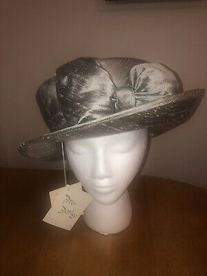 Ladies BNWT PETER BETTLEY Grey Silver 100% Silk Hat Ascot Occasion Wedding