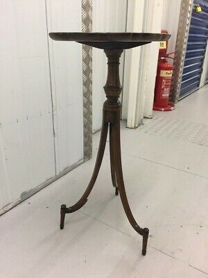 Georgian Mahogany Delicate Occasional Piecrust Tray Top Tripod Table