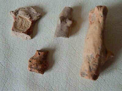 Lot of Neolithic clay idols (fragments).