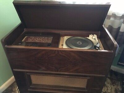 HMV Radio Gram Collectors item in excellent condition and working order