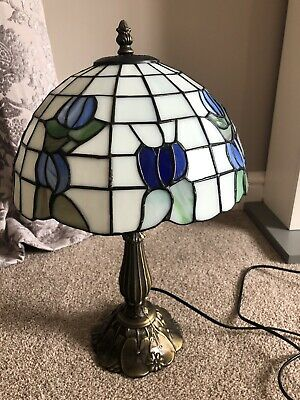 Beautiful Antique Style Stained Glass Leaded Table Lamp By Wisteria Lighting
